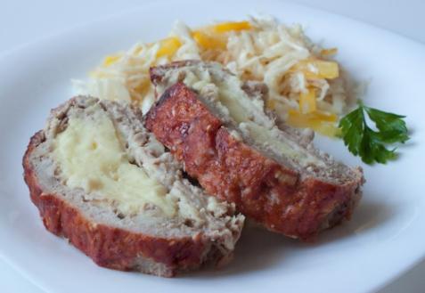 Мясной рулет с картофельной начинкой