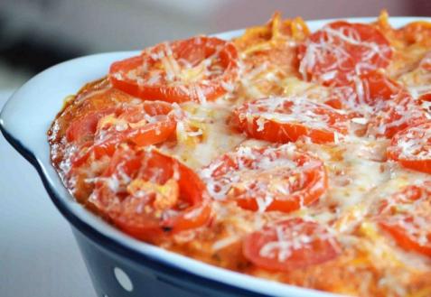 Макароны, запеченные с помидорами и сыром