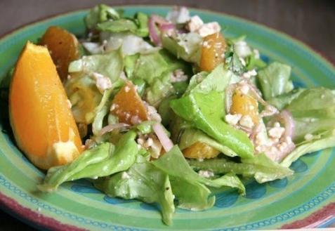 Салат с фетой и апельсинами