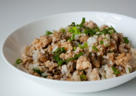 Рубленая курица с грибами и рисом