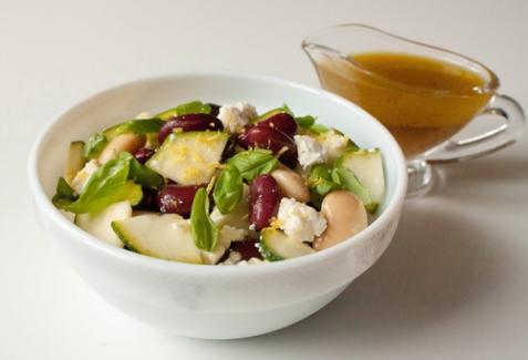 Фасолевый салат с цуккини и фетой