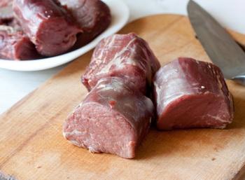 Отрезаем мясо
