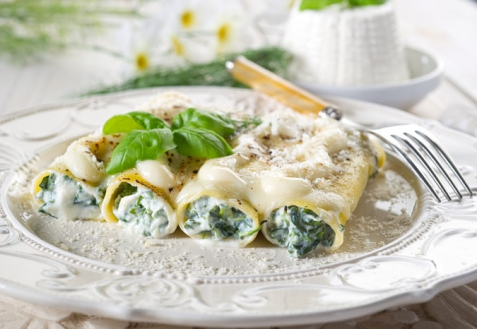 Каннеллони со шпинатом и сыром (видео)