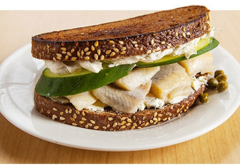Сэндвич с селедкой