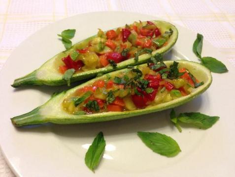 Рецепт - Кабачок, фаршированный овощами