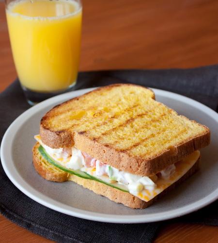 Сэндвич с яичным салатом