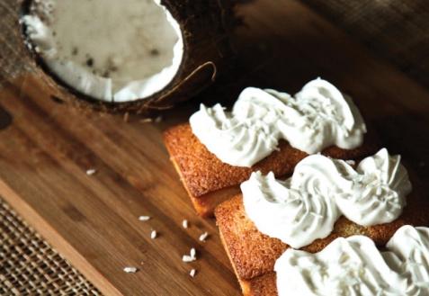 Манные кексы с кокосовой стружкой