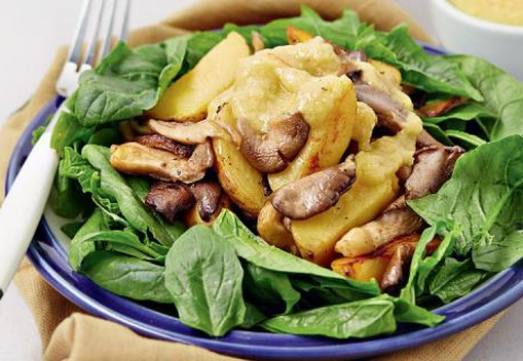 Теплый салат из вешенок со шпинатом