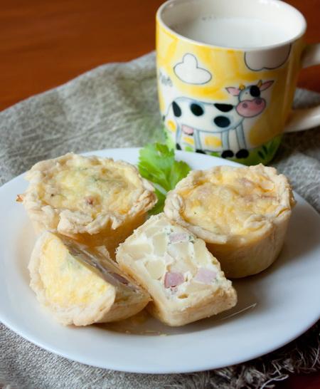 Мини-тарты с картофелем и ветчиной