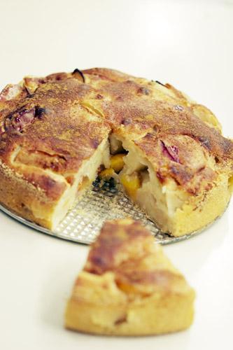 Рецепт - Яблочно-сливовый пирог