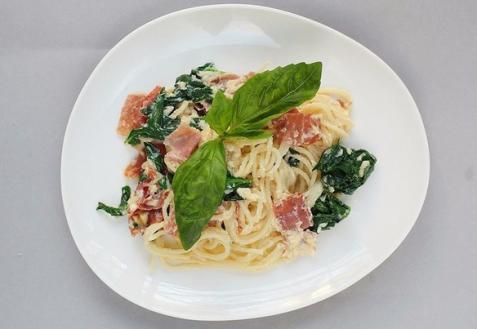 Спагетти Карбонара с итальянской ветчиной