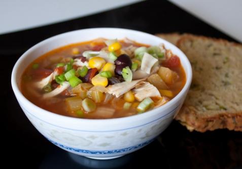 Острый куриный суп в мексиканском стиле