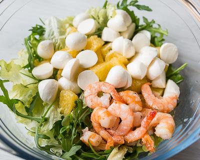 Кладём всё в салатник