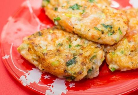 Постные блюда: Рисовые котлеты с помидорами