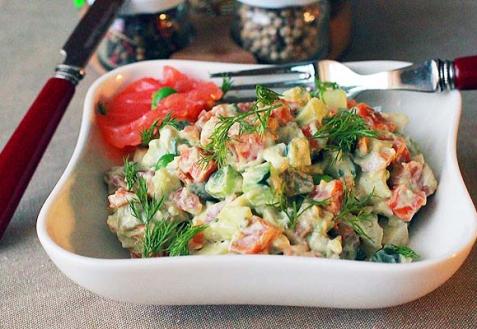 Рецепт - Оливье с лососем