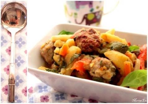 Рецепт - Уютное рагу из овощей и куриных котлеток