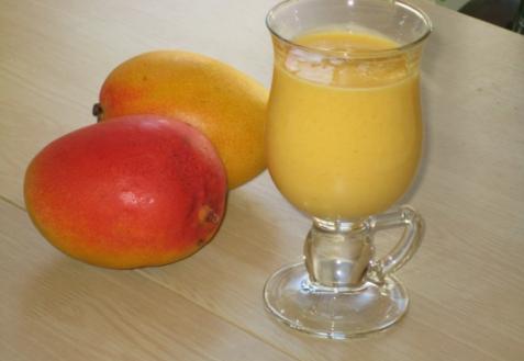 Рецепт - Молочно-манговый коктейль