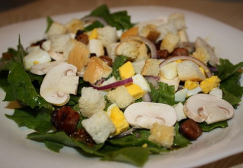 Салат со шпинатом и теплой заправкой