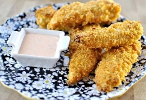 Куриные пальчики в картофельных чипсах (видео)