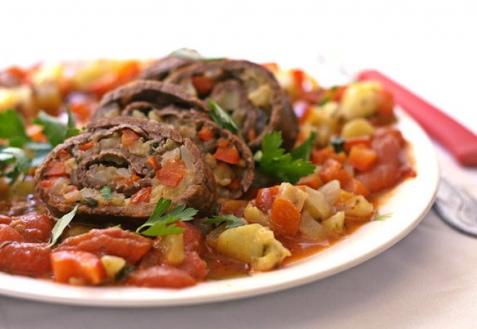 Рецепт - Рулет из телятины с овощами