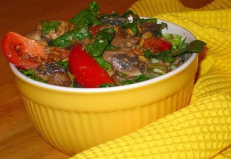Рецепт - Теплый салат из куриной печени