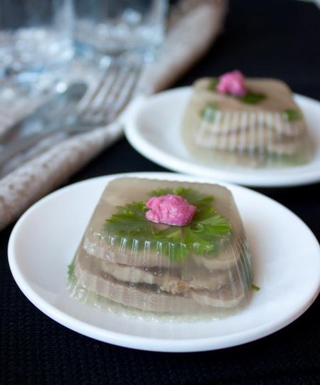 Рецепт - Порционное заливное из языка