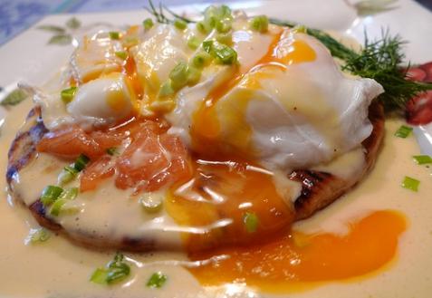 Рецепт - Яйца Бенедикт с красной рыбой