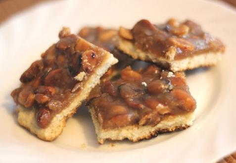 Рецепт - Печенье с арахисом и карамелью