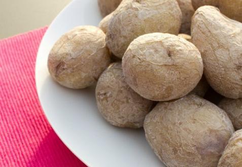 Как готовить соленый картофель по-сиракузски
