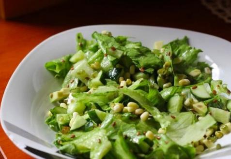 Свежий весенний салат
