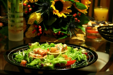 Тарталетки с креветками под сырным соусом