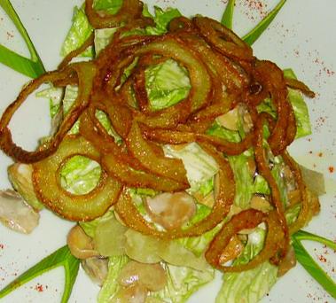 Салат с луком фри, ананасами и грибами - рецепт