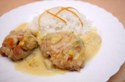 Цыпленок в апельсиново-сметанном соусе