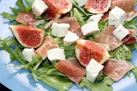 Рецепт - Салат с инжиром