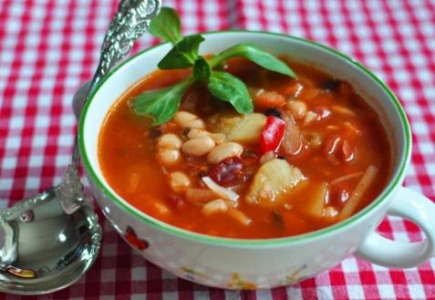 Фасолада - греческий фасолевый суп