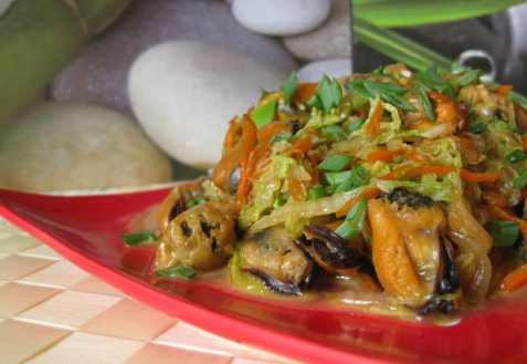Рецепт - Теплый салат с мидиями