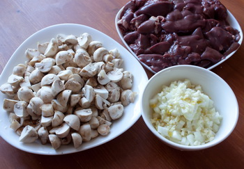 Грибы, лук, печень