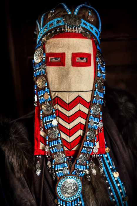 Молодая женщина народности саха. Автор: Александр Химушин.