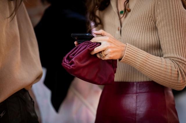 Результат пошуку зображень за запитом Для wow-эффекта: 5 модных способов носить кожаную юбку зимой 2020 - фото.