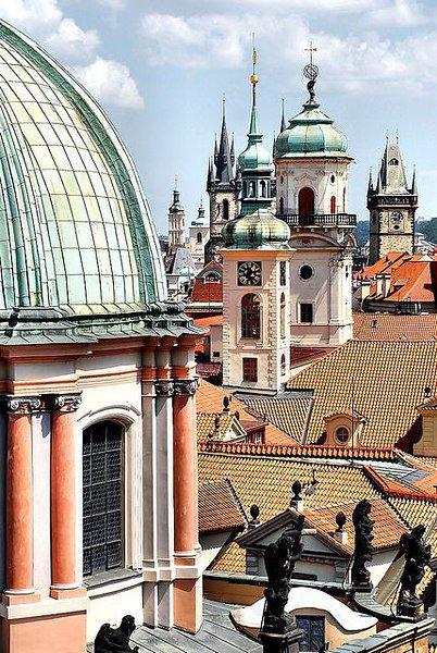 Прага — город, в который влюбляешься без памяти и приезжаешь сюда вновь и вновь: с удобной обувью, ... - 7