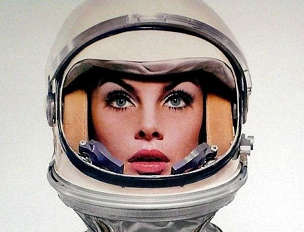 Женщина впервые родит в космосе