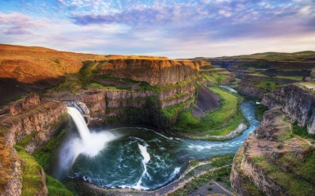 водопад и большой каньон