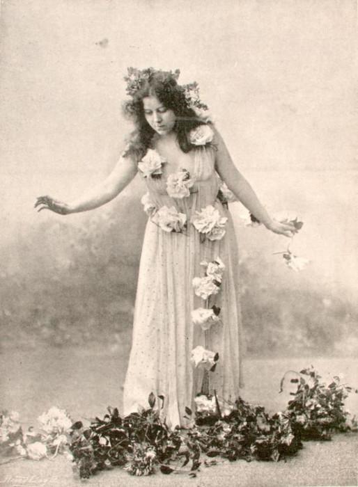 Танцовщица считается «пионером» в области сценического танца.