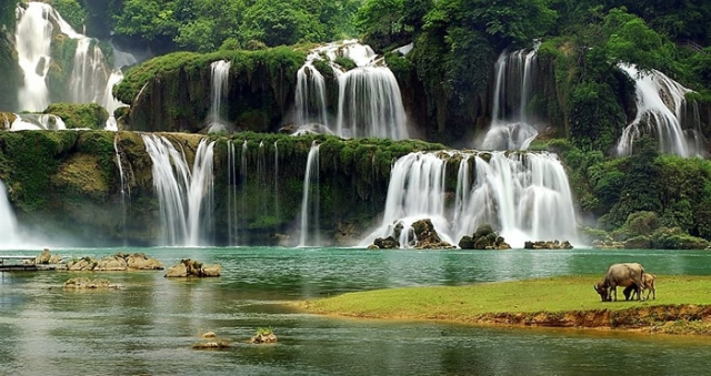 Водопады. Автор: Ly Hoang Long.