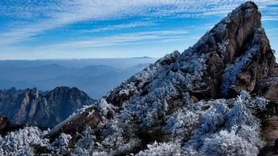 """Результат пошуку зображень за запитом """"Впечатляющие горы в Китае , закованные в ледяной панцирь - фото."""""""