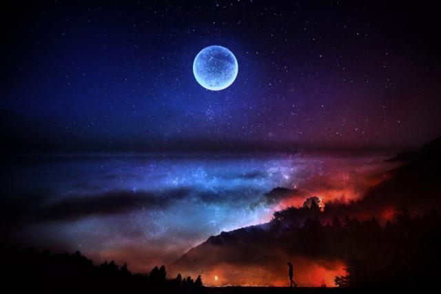 Луна в облаках.  Автор: Barbara Florczyk.