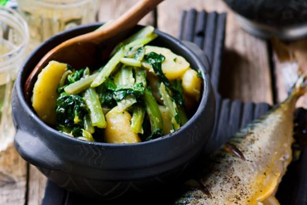 Скумбрия с овощным рагу