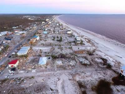 Фотограф показал разрушительные последствия урагана Майкл. Фото
