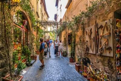Виртуальная прогулка по улицам разных городов планеты. Фото