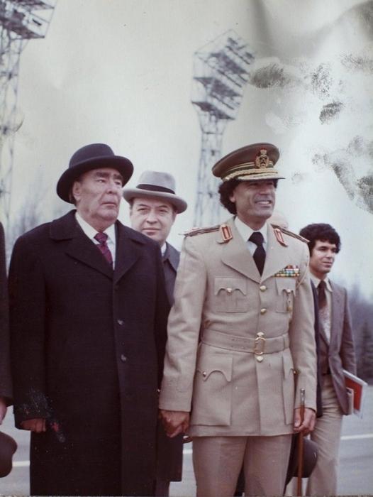 Встреча Брежнева с ещё довольно молодым ливийским лидером Каддафи в 1976.